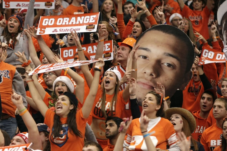 Syracuse celebrates defeat of Duke in NCAA basketball. Photo: AP / Source: NYPost.com