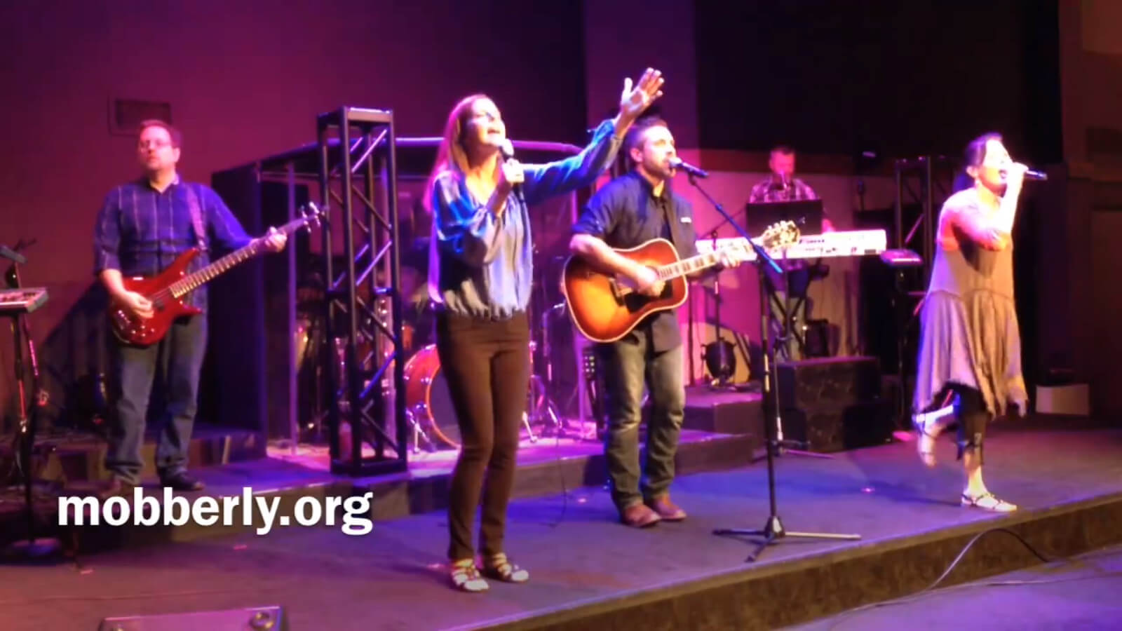 """Praise Team at Mobberly Baptist Church's """"The Crossing"""" worship service (9:30 and 11 AM)."""