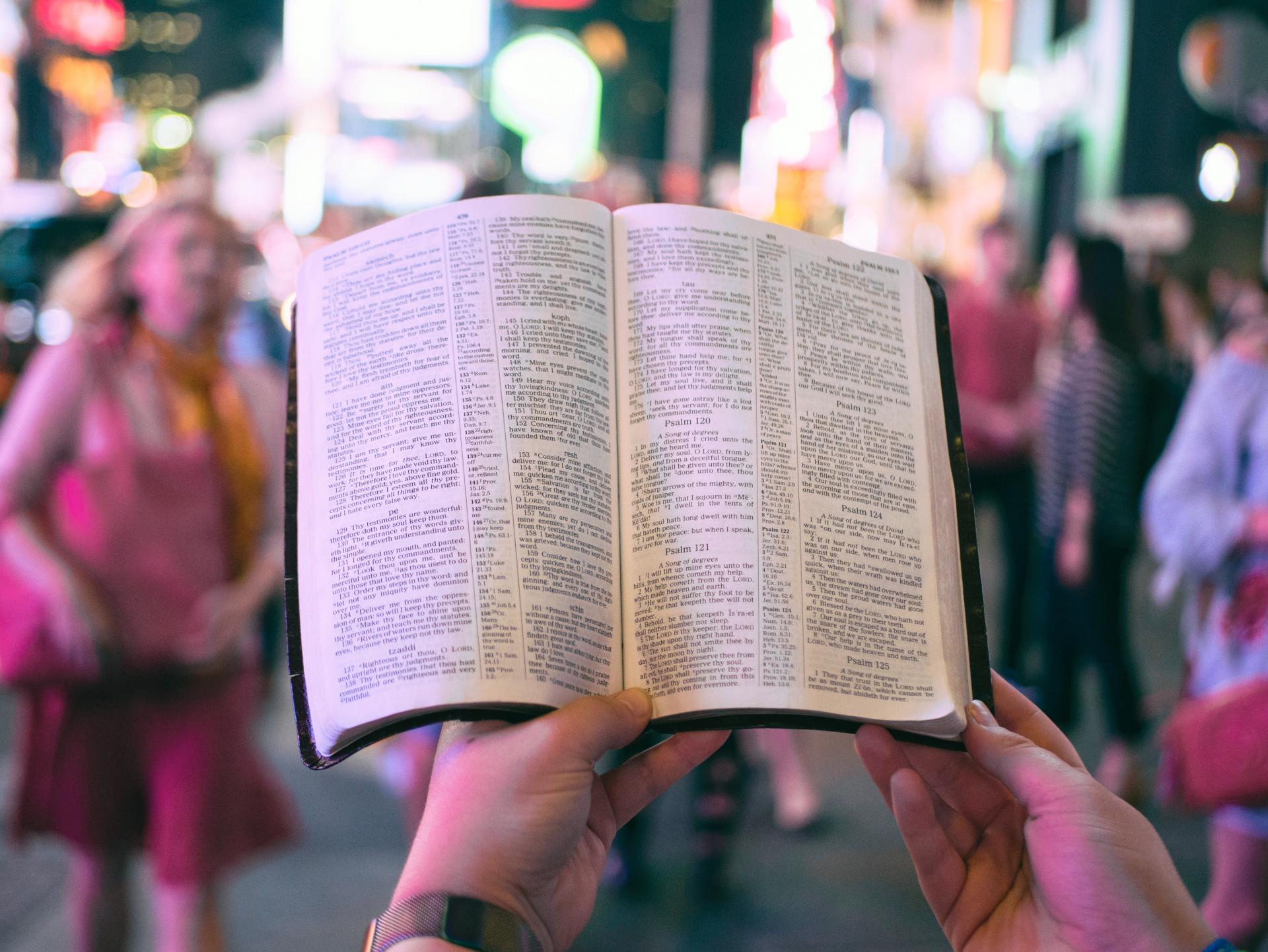 Can Certain Apologetics Hurt Christianity More Than Help It?