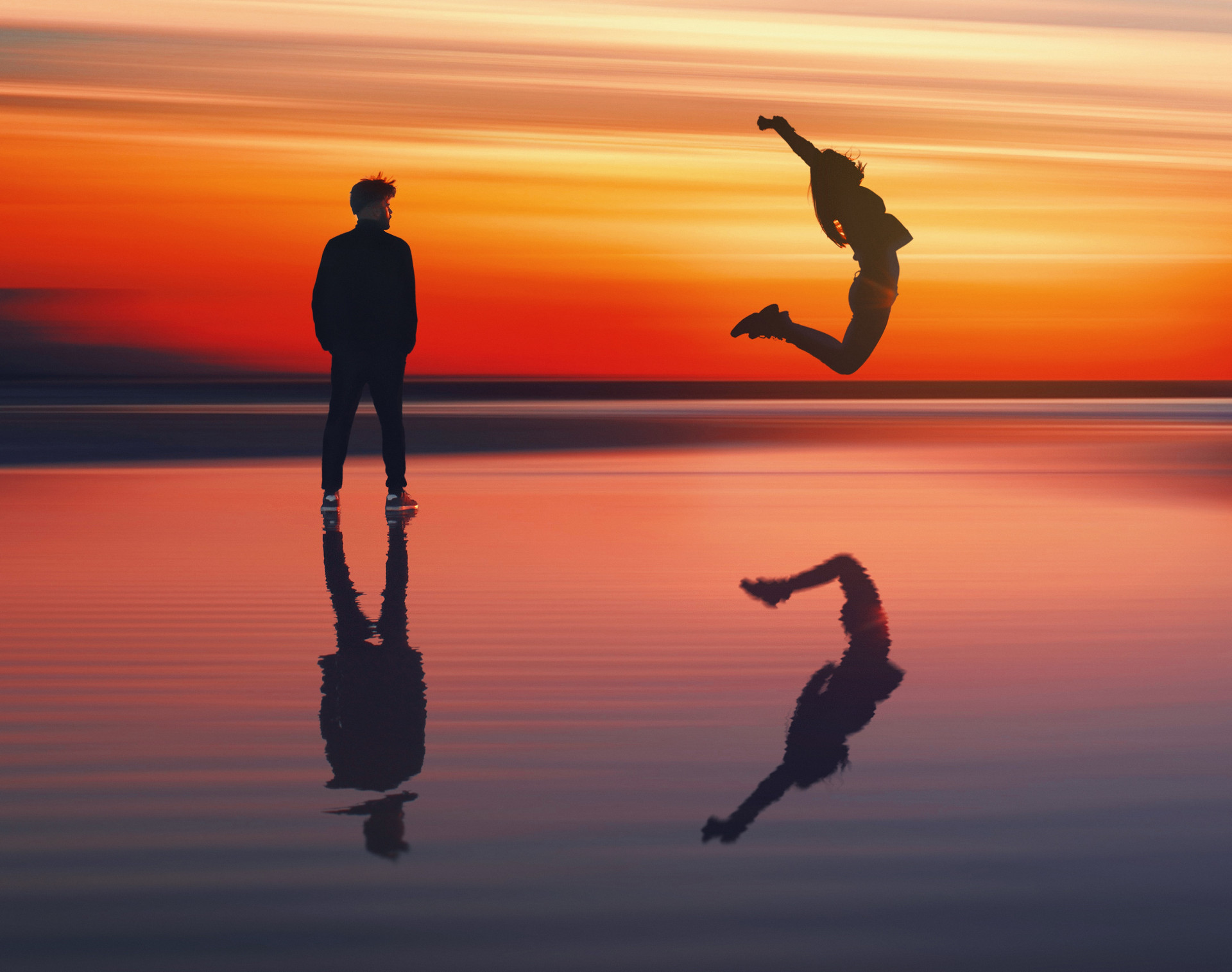 Sunset Person Jumping – 1920w